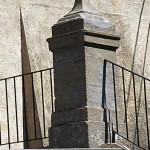 Uso de la Piedra Serena - Granducale del Santuario de Boccadirio - Bolonia – suministro y colocación acabado flameado contrahuella labrada a mano
