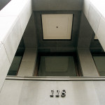 """Friedrichstrasse 118 - 超硬度光滑石板铺的正面 """"Pietra Serena Extra Dura del Bucine®"""""""