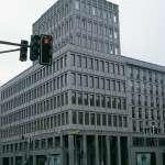 """Friedrichstrasse 118 – fornitura lastre grezze per rivestimento facciata levigata in """"Pietra Serena Extra Dura del Bucine®"""""""