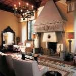 cheminée en Pietra Serena d'intérieur