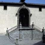 Restaurierungsarbeiten und Erneuerung der Treppe